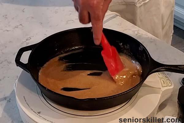 Making turkey sandwich sauce